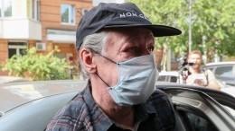 «Онничего непонимал»: Адвокат Ефремова опризнании актером вины надопросе