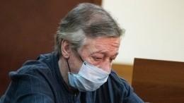 Адвокат Ефремова: вмедицинских документах актера значится диагноз инсульт