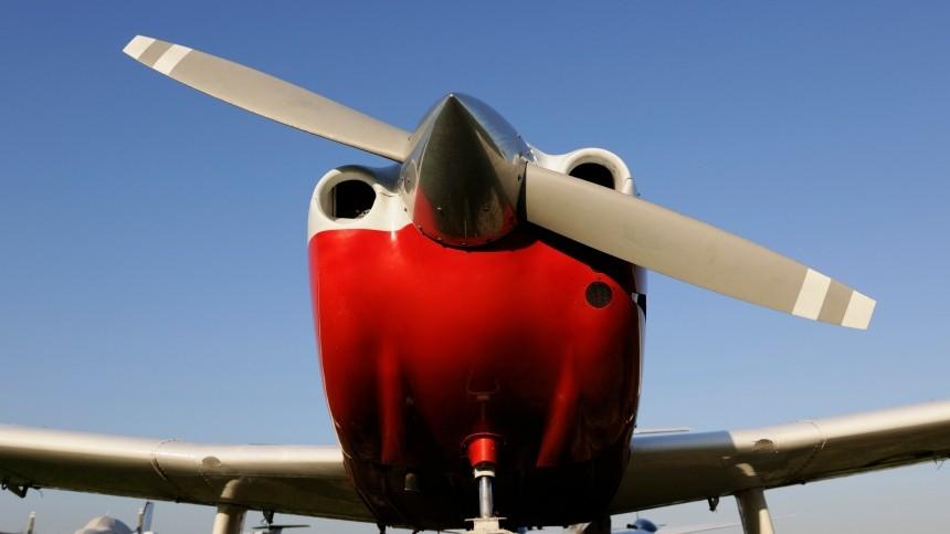 Легкомоторный самолет совершил жесткую посадку вПодмосковье