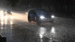 Проливные дожди продолжают испытывать напрочность транспорт врегионах России