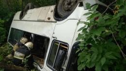 Пассажирский автобус опрокинулся под Оренбургом, есть погибший