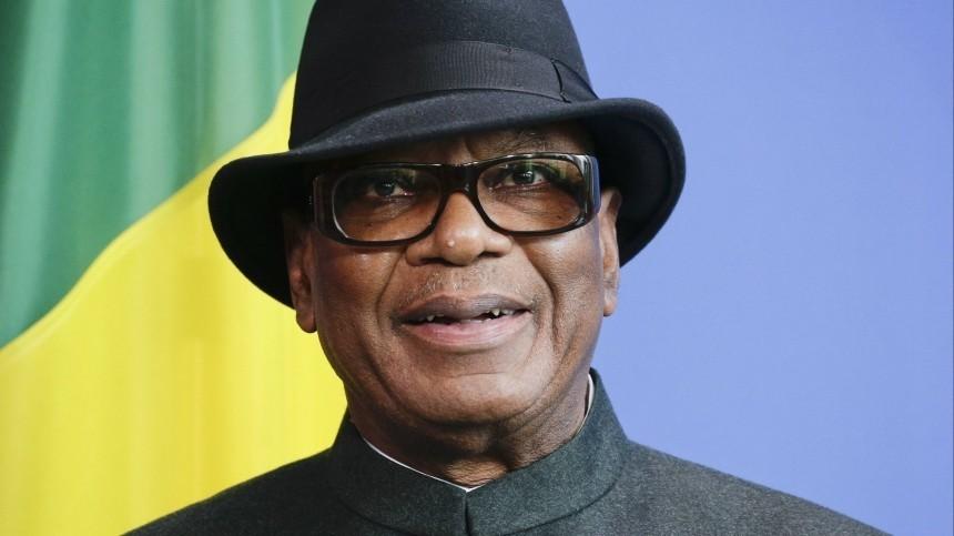 Президент Мали Кейта, захваченный мятежниками, заявил освоей отставке