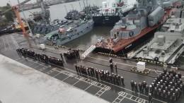 Военнослужащие сложили огромное слово «РОССИЯ» изтриколоров ВДагестане