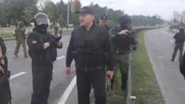 Пушков прокомментировал появление Лукашенко савтоматом