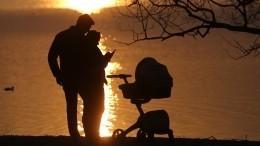 СКразбирается вистории систощенным ребенком издетдома вКрыму— видео