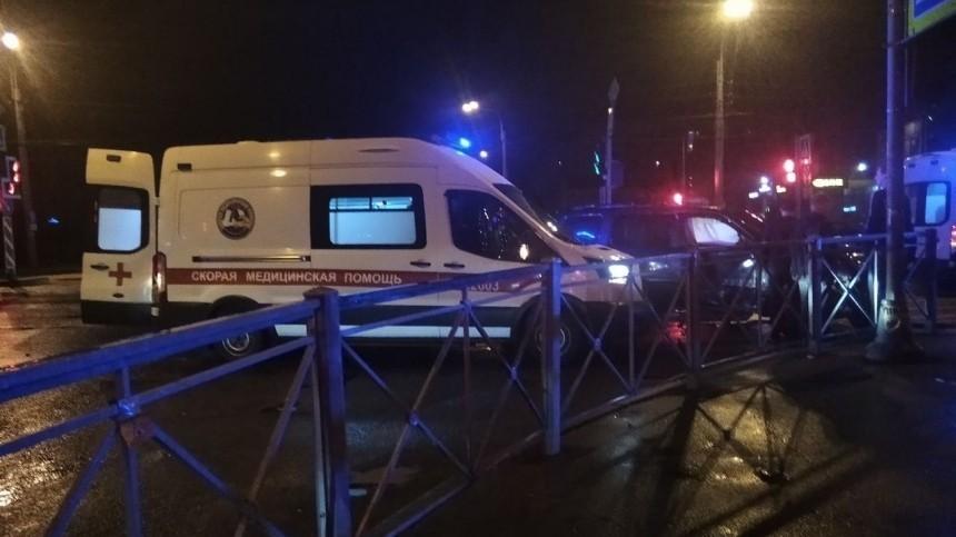 Кадры страшного ДТП вПетербурге сучастием машины сдетьми
