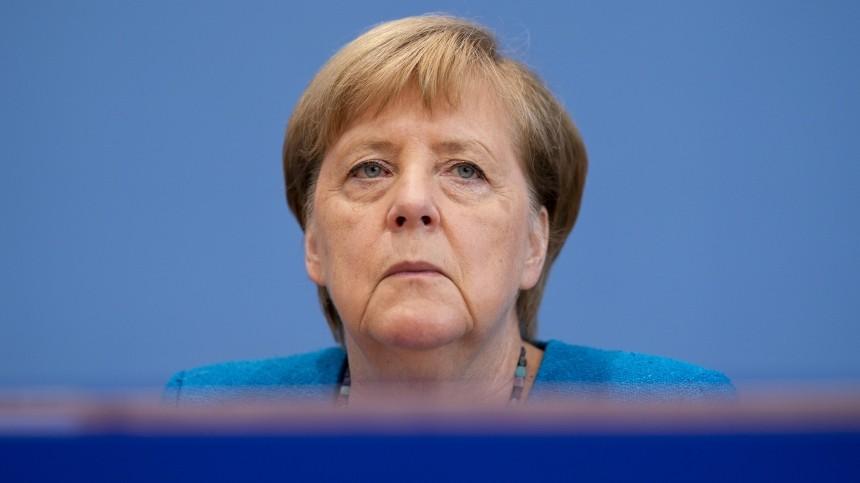 Меркель попросила несвязывать дело Навального с«Северным потоком— 2»