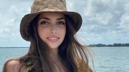«Мокрая» дочь режиссера клипов Билана щеголяет напляже втрендовом бикини