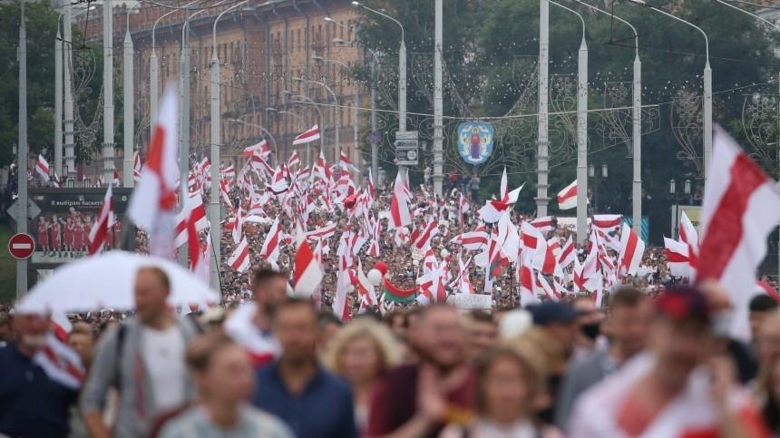 Помощник Лукашенко назвал количество противников президента Белоруссии