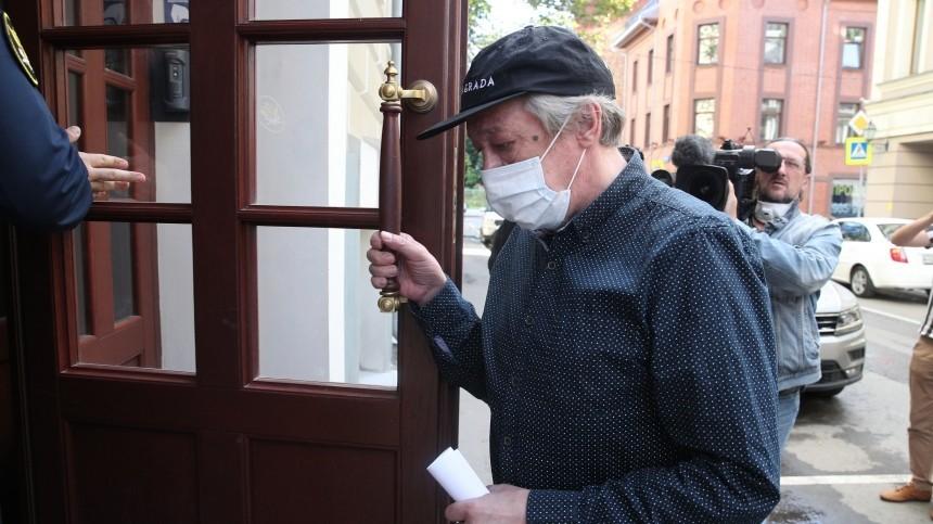 Свидетель заявил осевшем вмашину Ефремова перед ДТП мужчине