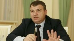Сердюков заявил одолгах ОАК в530 миллиардов рублей