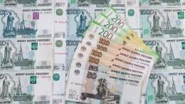 Еще 24 миллиарда рублей выплатят медикам исоцработникам, помогающим пациентам сCOVID-19