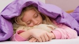 Часы смашинкой: Как легко будить ребенка вшколу— советы психолога