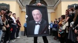 Шаброву иПоляковой потребовалась помощь медиков напрощании сКлюевым