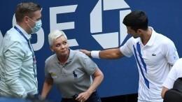 Новак Джокович принес извинения занеспортивное поведение наUS Open— Видео