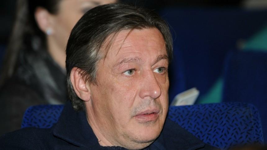 Михаил Ефремов взят под стражу взале суда