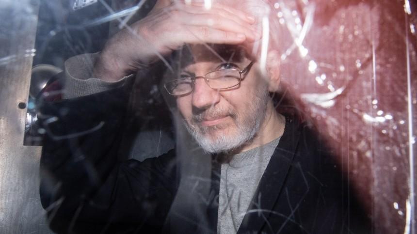 Союз журналистов России присудил Джулиану Ассанжу премию «Солидарность»