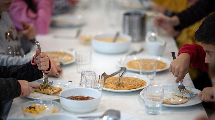 Родителям учеников предложили готовить обеды для школьных столовых