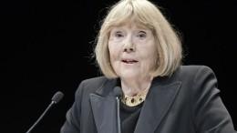 Единственная «жена» Бонда извезда «Игры престолов» скончалась ввозрасте 82 лет