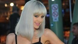 «Ваш муж вкурсе?»— Натали вызвала негодование фанатов, снявшись топлес вобразе русалки