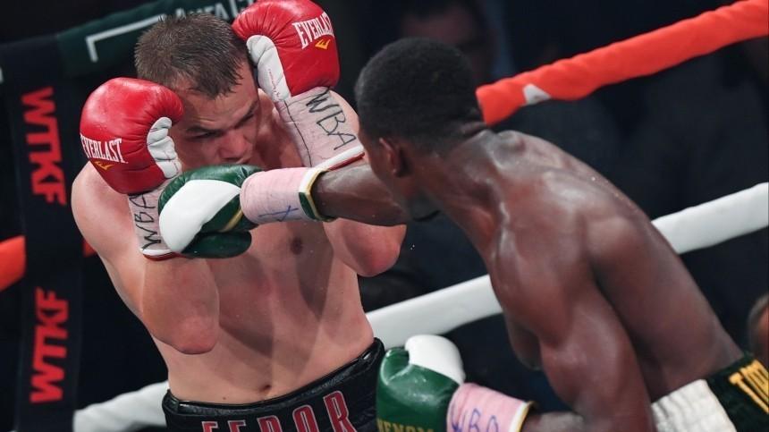 Британский боксер Садик госпитализирован после боя сЧудиновым вМоскве