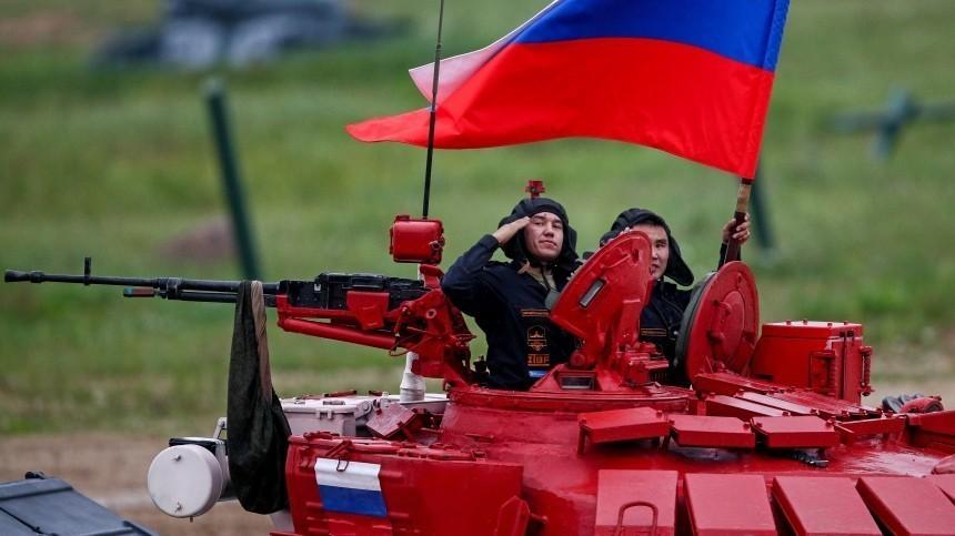 Владимир Путин поздравил работников отрасли сДнем танкиста