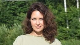Екатерина Климова вбикини сделала стойку наголове
