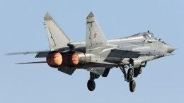Истребители МиГ-31 иСу-35 перехватили бомбардировщики США