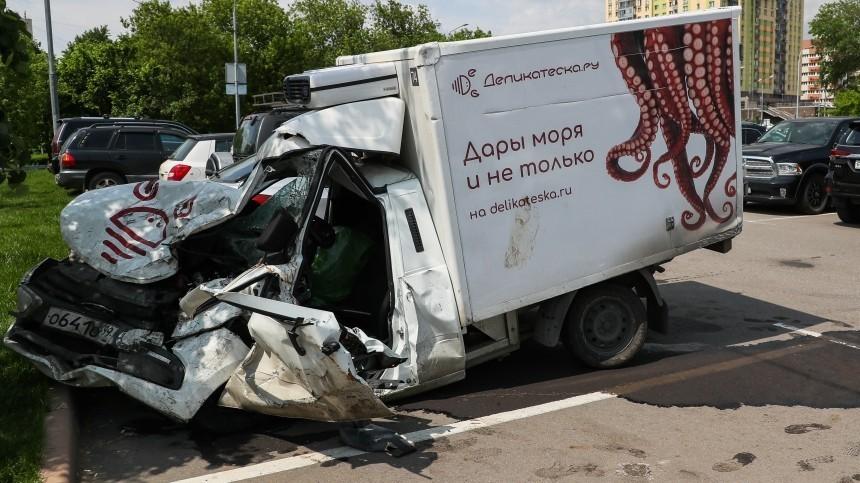 Владельцы разбитого в«пьяном» ДТП сЕфремовым авто просят отменить приговор актеру
