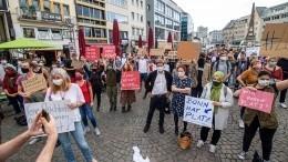 Добро пожаловать: Германия примет беженцев излагерей вГреции