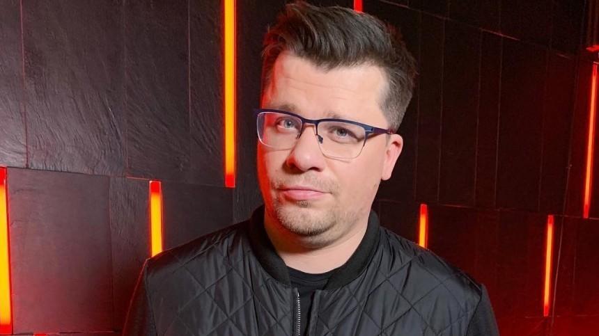 Звезда Comedy Club раскрыл истинное отношение Харламова кголой Асмус вфильме «Текст»