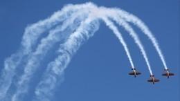 Видео: 11 «мертвых петель» подряд выполнили летчики пилотажной группы «Первый полет»