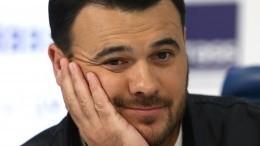 Эмин Агаларов обручился спустя четыре месяца после развода?