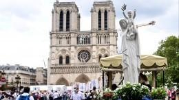ВоФранции восстановили первые статуи шпиля собора Нотр-Дам деПари