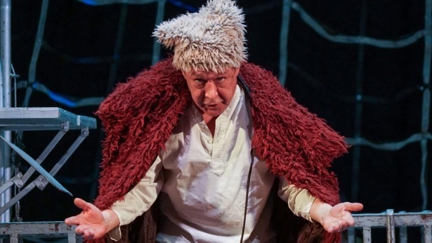 Кому отдали роль Михаила Ефремова вспектакле «Чапаев иПустота»?