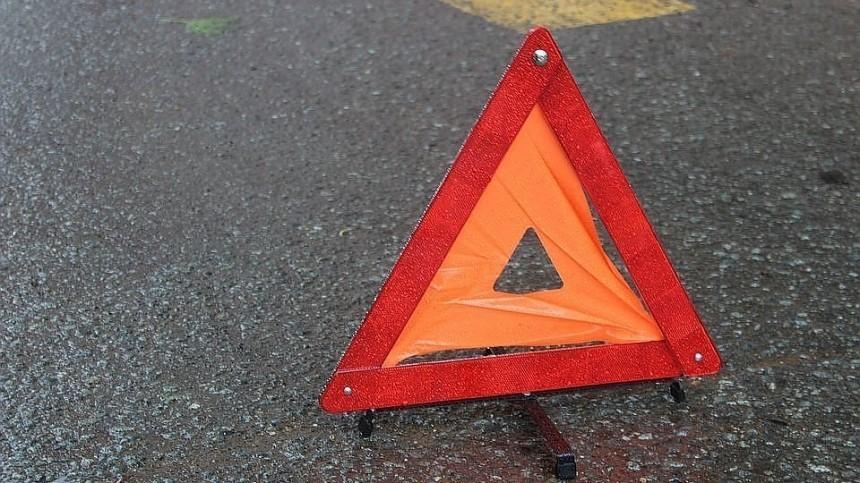 Видео: «Огненное» ДТП произошло натрассе, ведущей вСмоленск