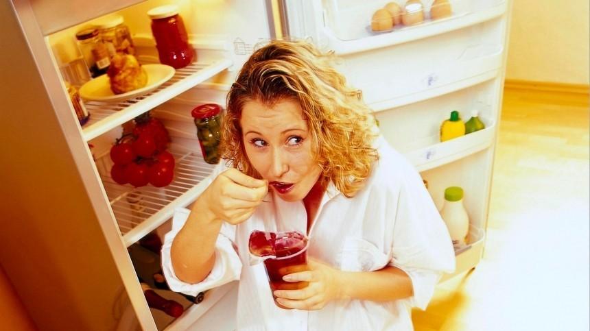 Ночной дожор: диетолог рассказала, как прекратить есть перед сном