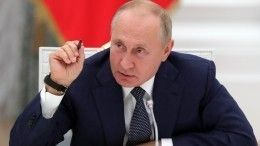 «Нужно очень аккуратно»: Путин дал поручения губернаторам поборьбе сCOVID-19