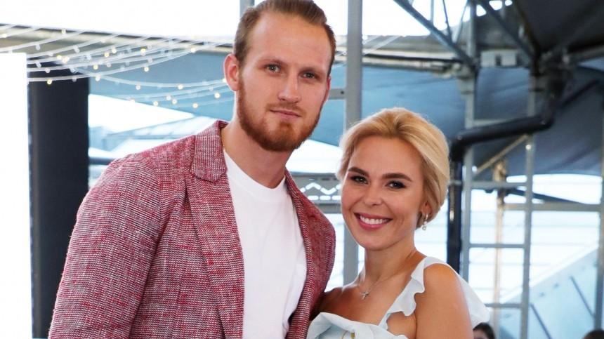 Адвокат Телегина: Пелагея запрещает хоккеисту видеться сдочерью