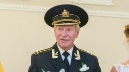 90-летний Иван Краско произвел почетный полуденный выстрел вПетербурге