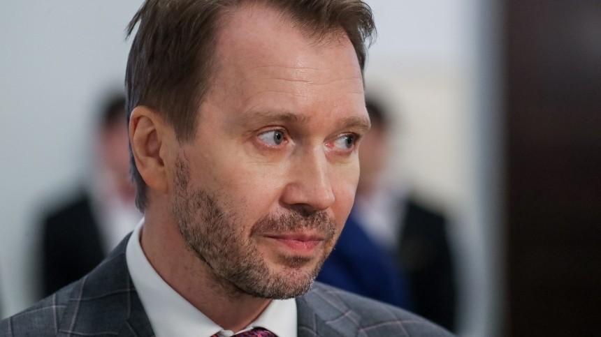 Евгений Миронов пришел напремьеру мультфильма сосвоим наследником