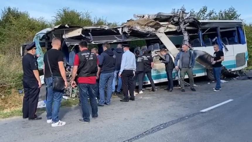 Водитель автобуса вКалининграде выжил после смертельного ДТП