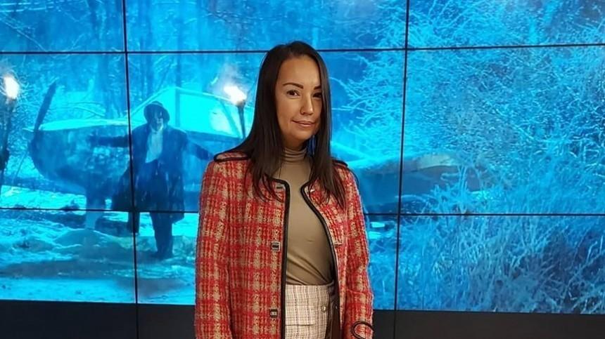 «Улыбка неправдива»: психолог оценила последнее фото Конкиной сженихом