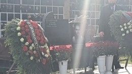 Гроб стелом «Тесака» доставили наКунцевское кладбище Москвы