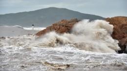 Ливни исмерч: Тропический шторм обрушился наМексику— видео