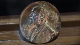 Нобелевская премия пофизике вручена заисследования черной дыры