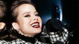 «Никому непожелаю»: звезда Comedy Woman показала обезображенное болезнью лицо
