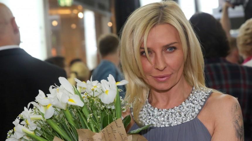 «Онналивает ей»: подруги Овсиенко боятся, что певицу постигнет судьба Легкоступовой