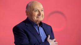 «Онпостарел»: помощник Жванецкого объяснил решение сатирика уйти сосцены