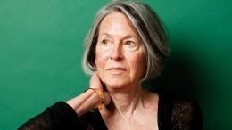 Поэт сильный: литературный критик оценила вручение Нобелевской премии Луизе Глюк